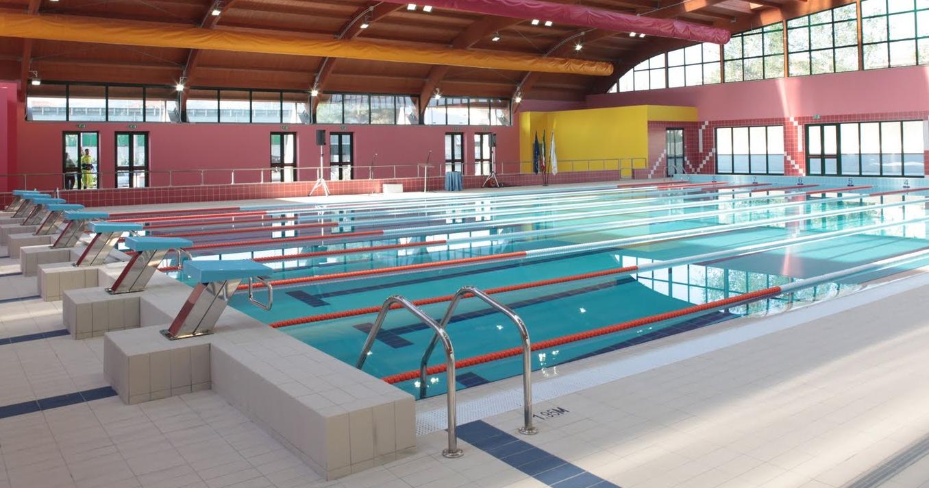 Sequestrata l 39 area esterna della piscina comunale di avellino corriere dell 39 irpinia - Piscina comunale arese ...