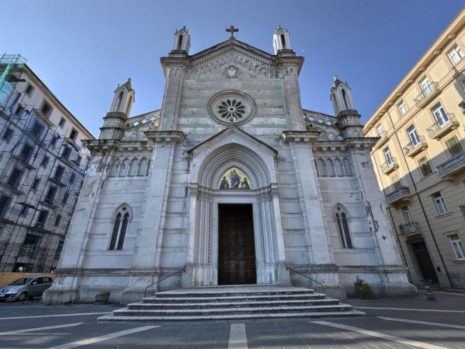 Lite tra fidanzati ad Avellino: intervengono gli agenti della Polizia di Stato