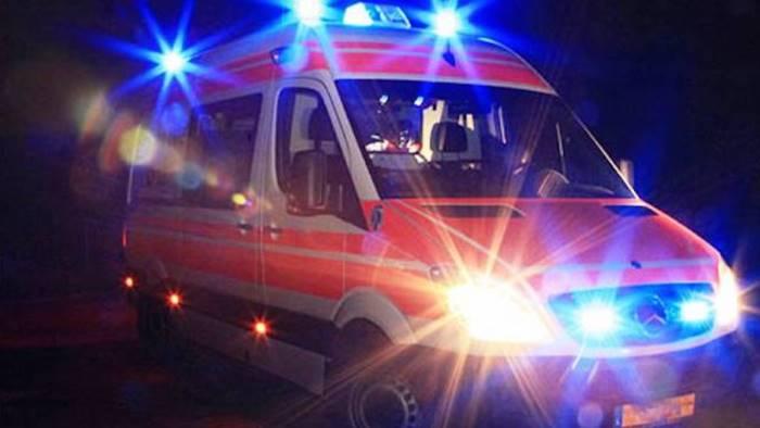 Uomo trovato morto in casa, sospetta overdose