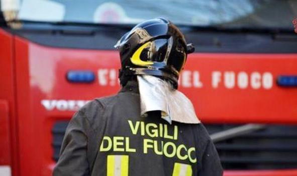 Fuga di gas in via Francesco Tedesco, intervengono i Vigili del fuoco